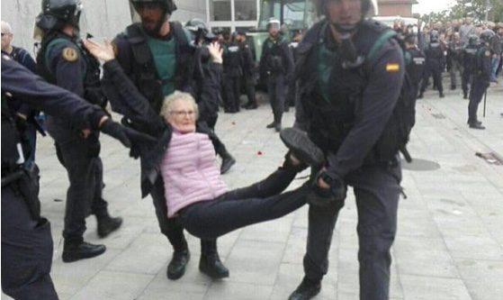 Catalogna, l'Europa in silenzio assiste al drammatico voto (OFCS)