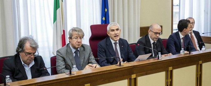 Concludere con stile e utilita' i lavori della Commissione banche di Giorgio La Malfa e Paolo Savona