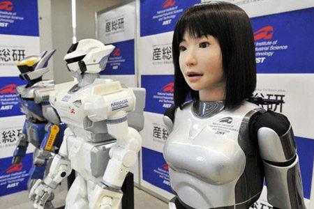 Cresce a dismisura la vendita dei robot industriali, e cala il loro prezzo: il futuro dell'uomo nell'economia è tutto da ripensare
