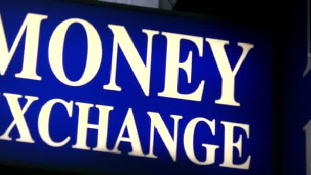 Lira Turca. Rimbalzo con sorprese: non c'è n'è più nei cambiamonete internazionali.