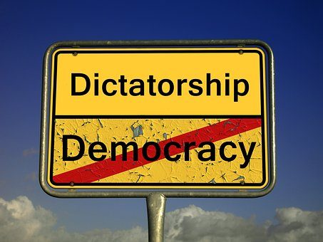 NON SI UCCIDE COSI' UNA DEMOCRAZIA