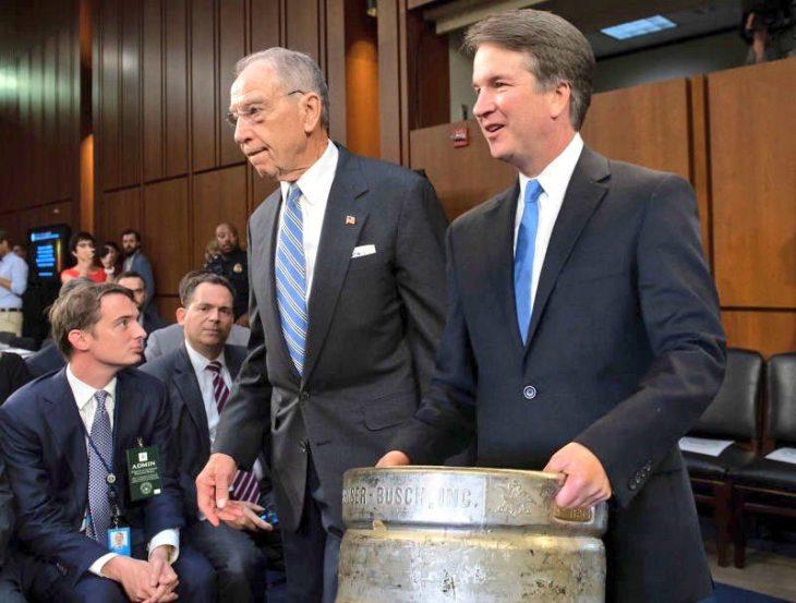 Kavanaugh ha giurato come 114 giudice della Corte Suprema. Ennesimo fiasco dei Dem e dell'informazione italiana (Cambiare gli inviati dei TG no , ehhh)