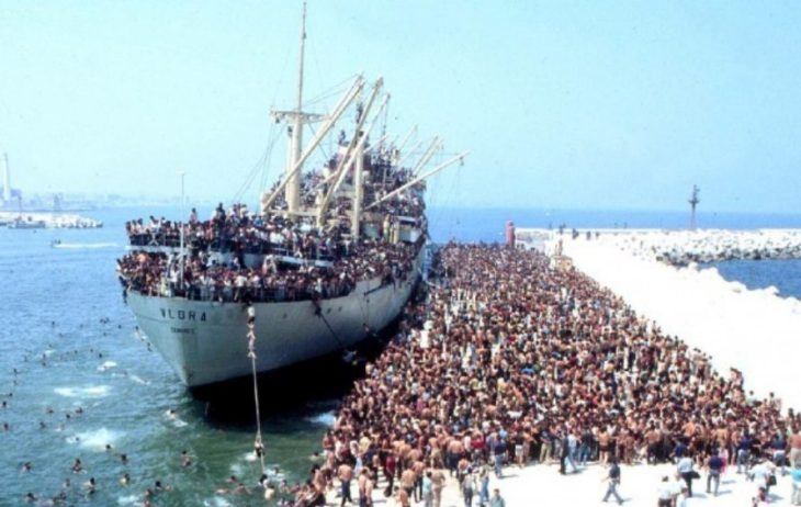 Il vero motivo (spiegato) del perchè i poteri forti vogliono prima di tutto l'Italia – e poi l'EU – invasa dai migranti (Follow the Money!)
