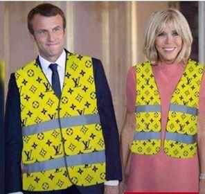 Abbiamo bisogno  dei Gilet Gialli  anche in Italia? Lo vedremo presto. Nel frattempo il Francia Macron-Pinochet affonda.