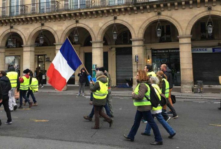 Tutte le richieste dei Gilet Gialli a Macron: non solo gasolio