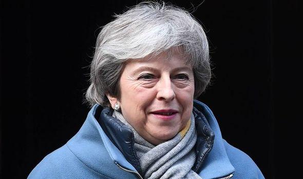 BREXIT: l'unica cosa decisa è che non ci sarà il secondo referendum. Sul resto vedremo. Risultato di aver messo una Remainer a guidare la Brexit