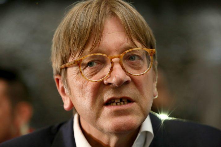 Il simpatico Guy Verhofstadt… perde il posto!