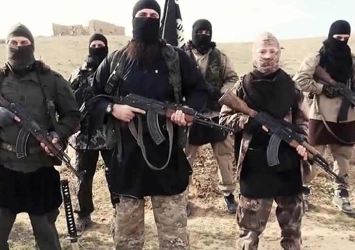 LA GERMANIA METTE LA TESTA SOTTO LA SABBIA SUI COMBATTENTI ISIS. LA SVEGLIERANNO