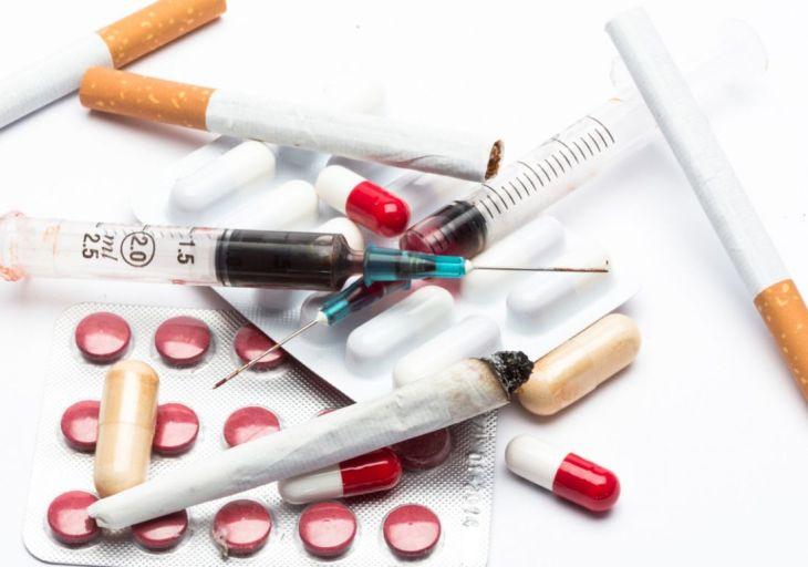QUANTO SPENDONO GLI AMERICANI IN DROGHE ILLEGALI? TANTO…