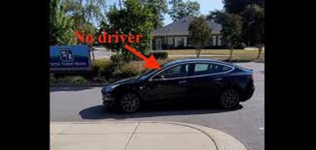"""AUTO TECNOLOGICHE: potete """"Chiamare"""" una Tesla con il telefono?"""