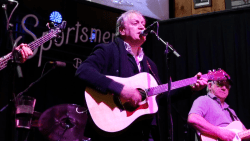 Video:  John Lombardo '74 of 10,000 Maniacs performs