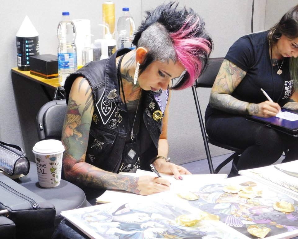 teresa sharpe drawing, preparing a tattoo flash