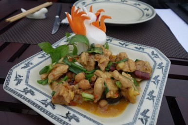 Chicken with Goji Berries and Lotus Seeds