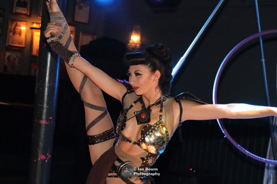 Showlesque: Veronica Blacklace - photo for Scene Sussex by Ian Bourn