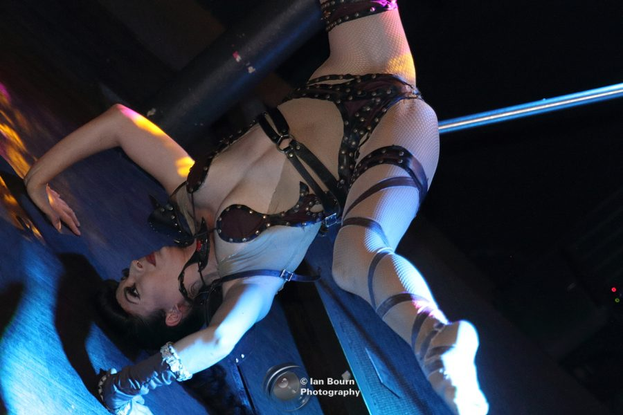 Showlesque: Aurora Starr - photo for Scene Sussex by Ian Bourn