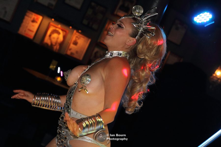 Showlesque - photo for Scene Sussex by Ian Bourn