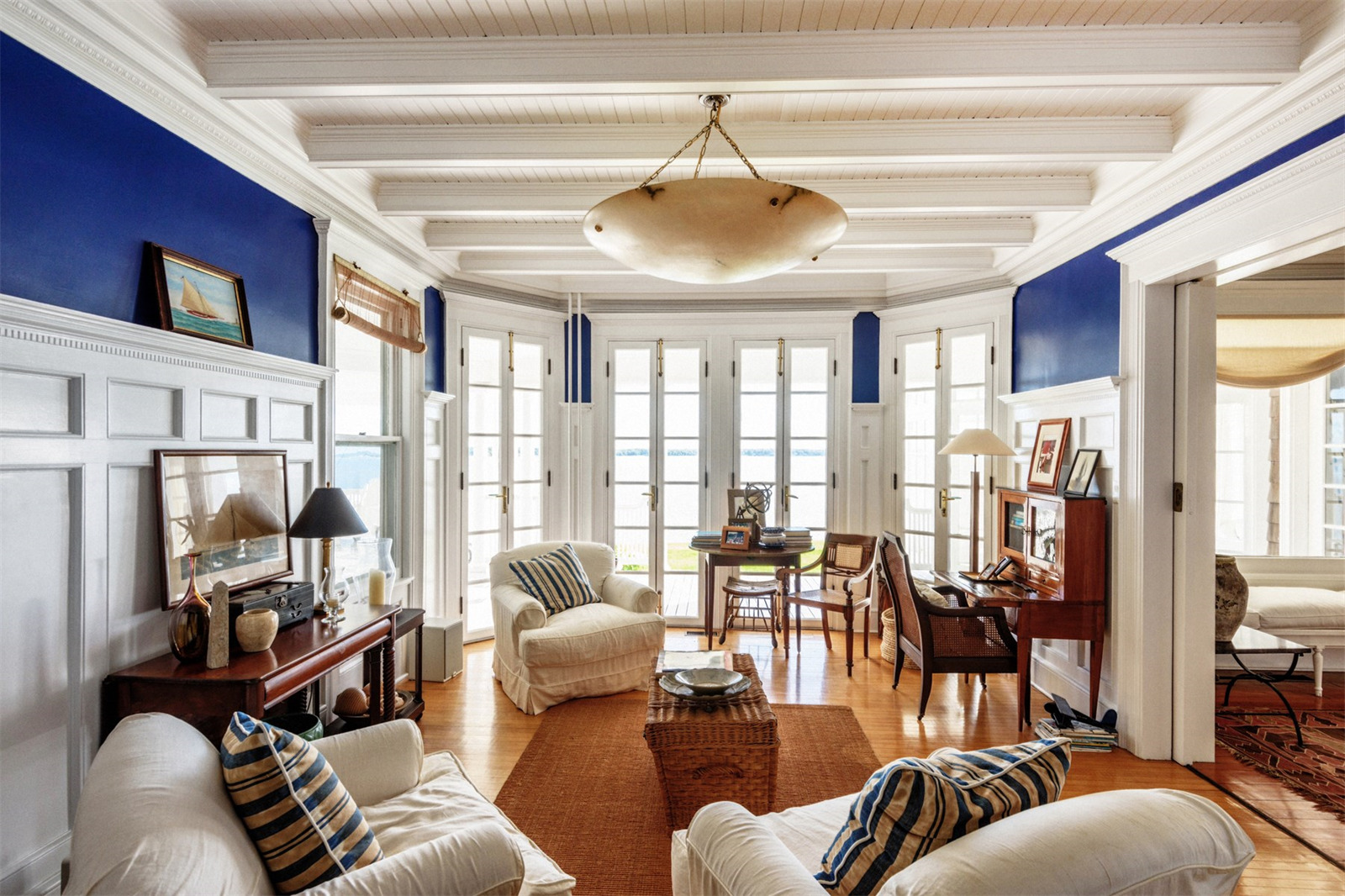 Shelter Island House Living Room  Scene Therapy