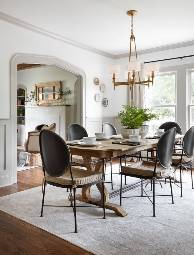 The scrivano house from fixer upper scene therapy for Fixer upper best dining rooms