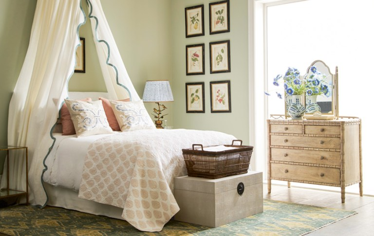 Decor Of The Day Feminine Guest Bedroom Scene Therapy