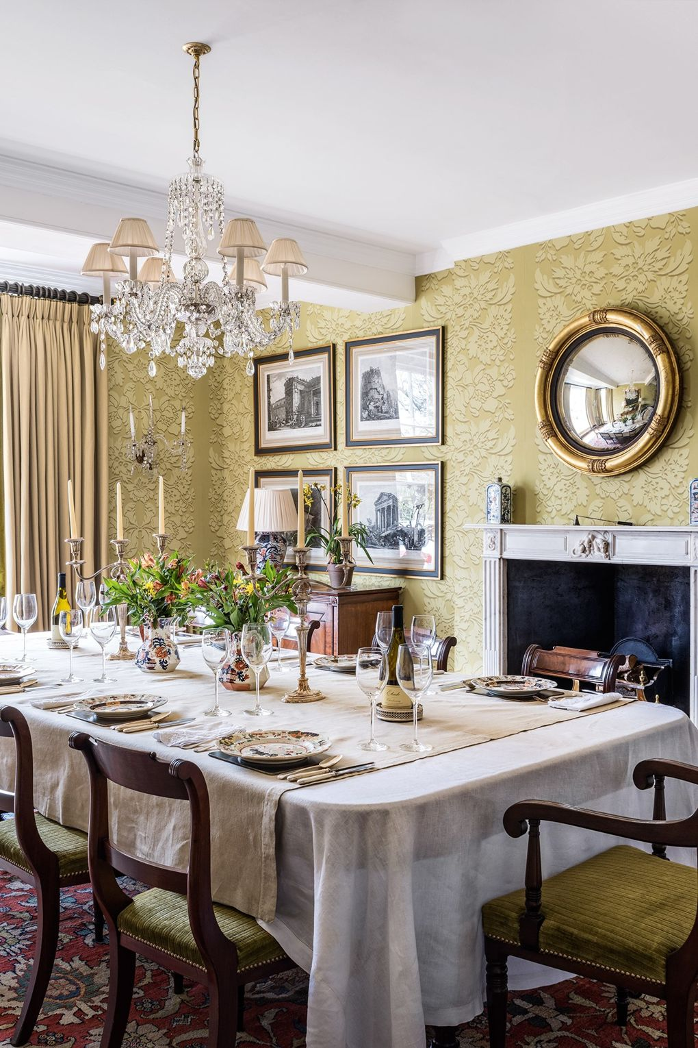 Traditional English Manor House Dining Room - Scene Therapy