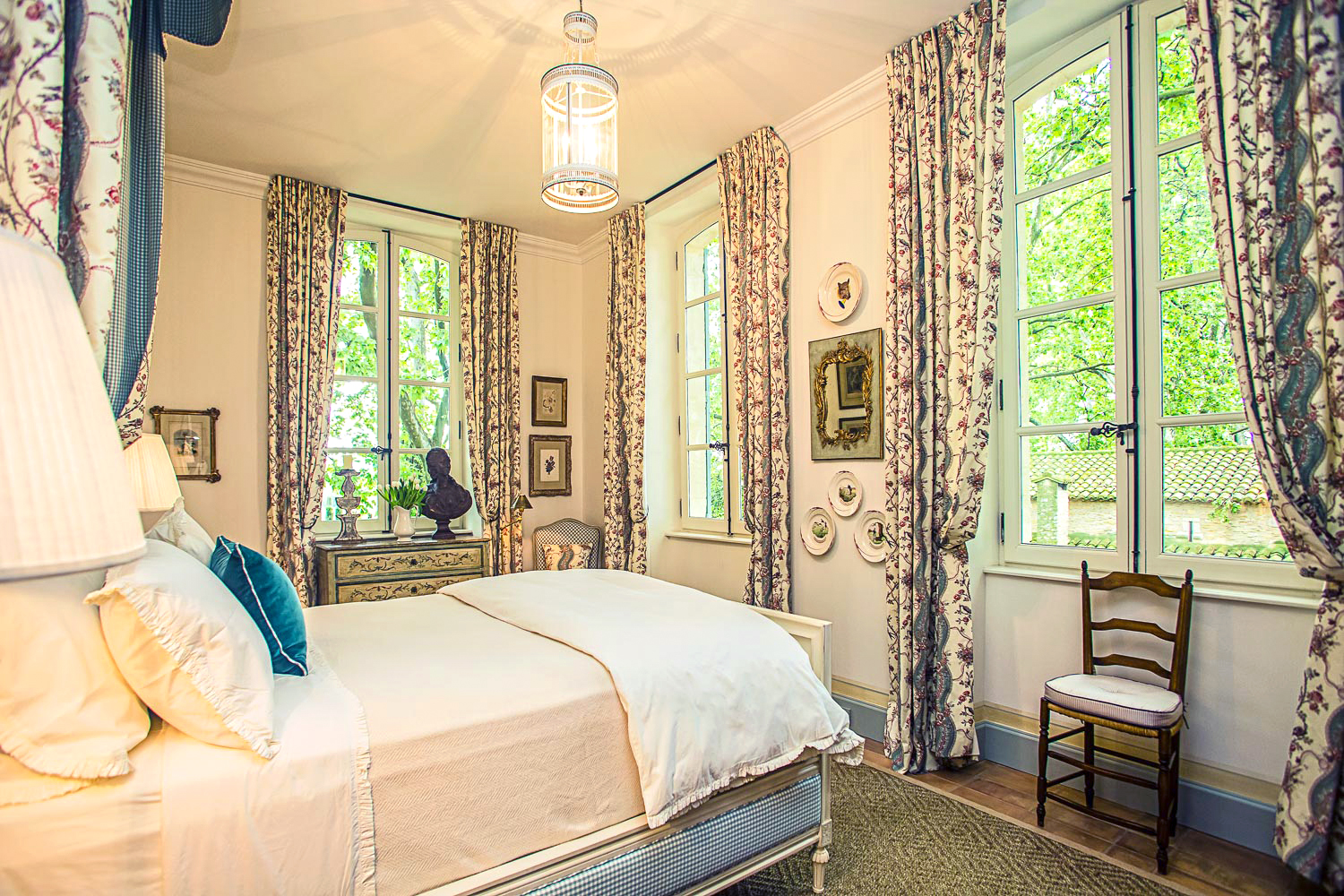 French Country Home Decor: Bedroom Inspiration