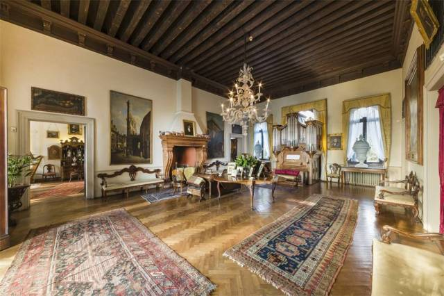 Grand Homes For Sale Italian Villa Scene Therapy,Bedroom Sets Rooms To Go Kids
