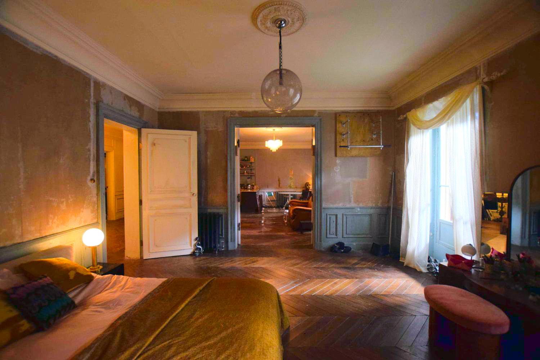Villanelle\'s Paris Apartment bedroom decor - Scene Therapy