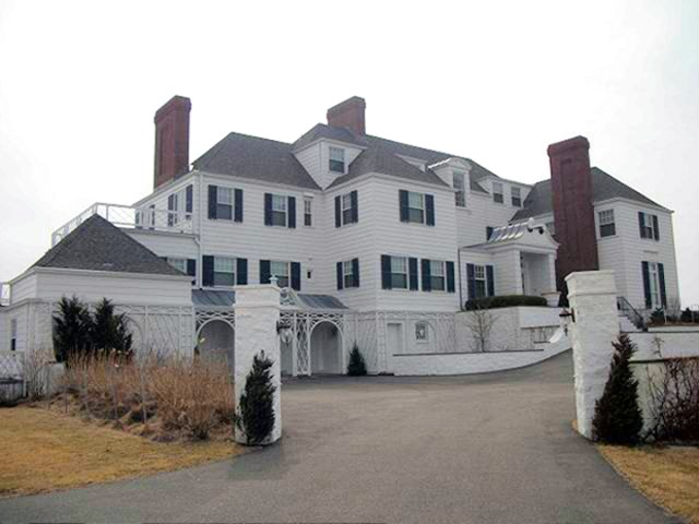 Taylor Swift S Rhode Island Holiday House Scene Therapy