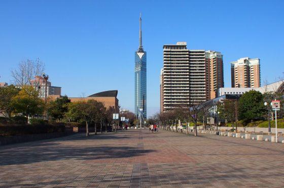 福岡タワー サザエさん通り