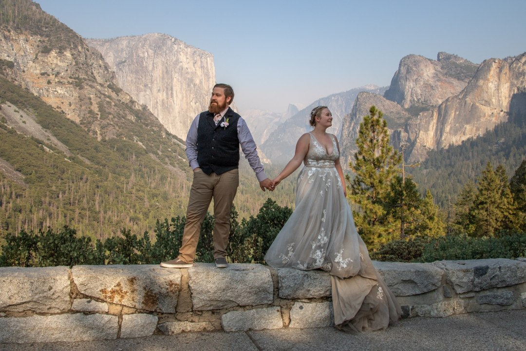 Yosemite's tunnel view does not disappoint for elopement photos!