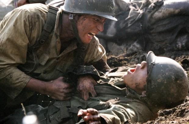 Jin-tae (Dong-gun Jang) is deserate to keep his brother Jin-seok (Bin won) safe.