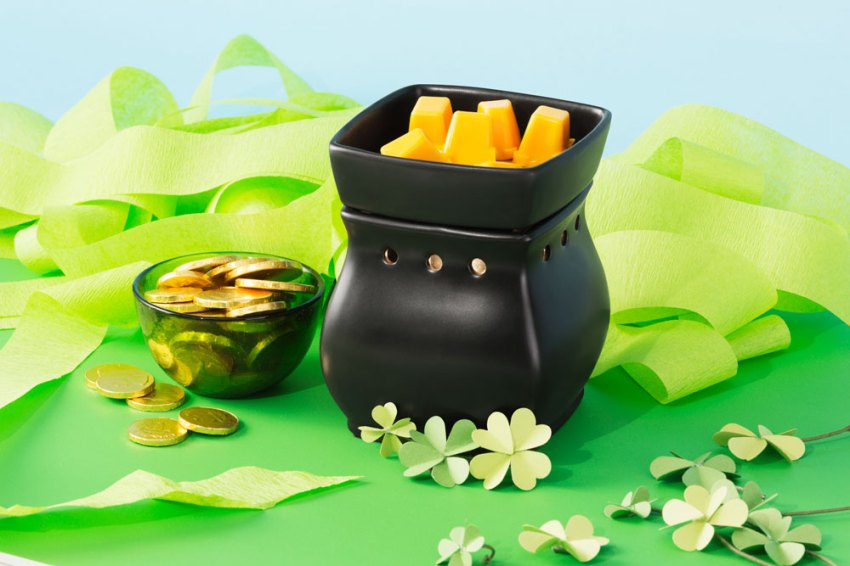 Photo of Scenty Warmer in St. Patrick's Day clovers
