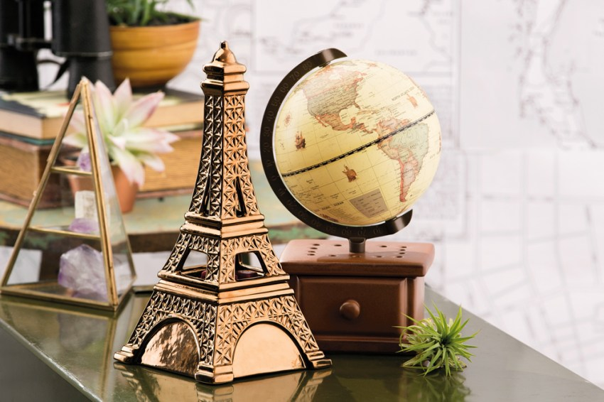 photo of Scentsy's midnight in paris and around the world warmers