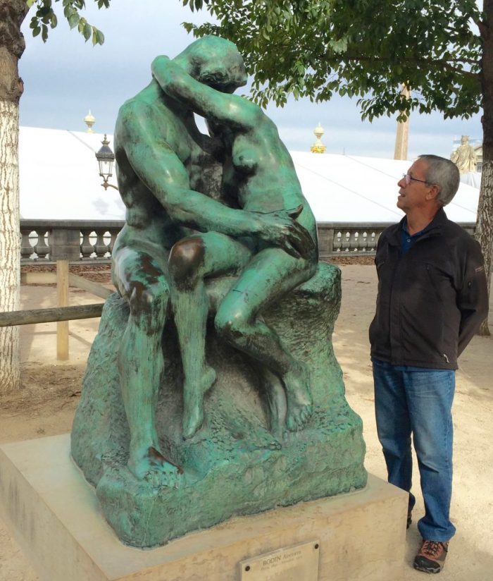 Rodin's lovers outside the