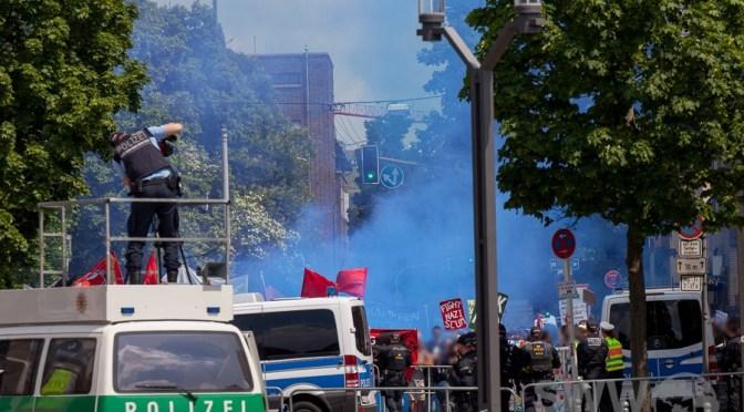 AfD-Demo und Gegendemo in Stuttgart-Feuerbach
