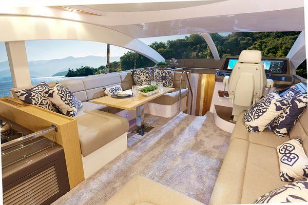 Schaefer 640 - 4 cabin (21)