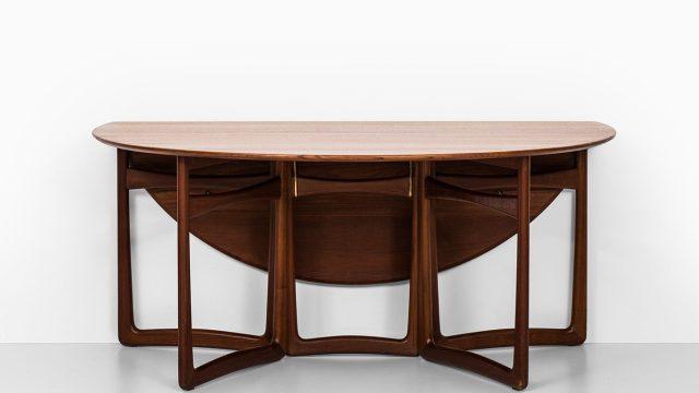 Peter Hvidt & Orla Mølgaard-Nielsen dining table at Studio Schalling