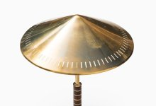 Bent Karlby table lamp in brass and mahogany at Studio Schalling