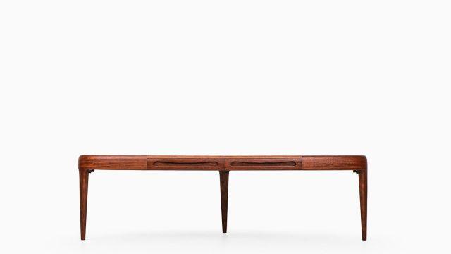 Johannes Andersen coffee table model Capri at Studio Schalling