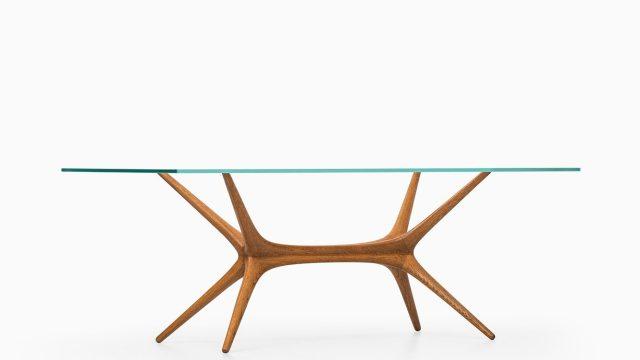 Tapio Wirkkala coffee table in oak at Studio Schalling