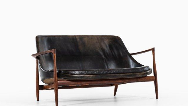 Ib Kofod-Larsen Elizabeth sofa in rosewood at Studio Schalling
