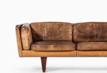 Illum Wikkelsø sofa model V11 in rosewood at Studio Schalling