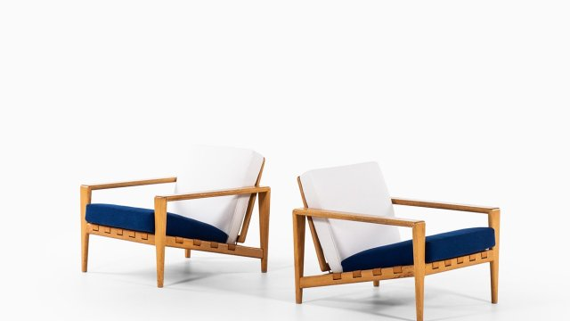 Svante Skogh easy chairs model Bodö in oak at Studio Schalling
