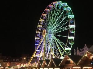 Weihnachtsmarkt Domplatz 2 12 2018 17 300x225 - Weihnachtskonzert Domplatz Erfurt