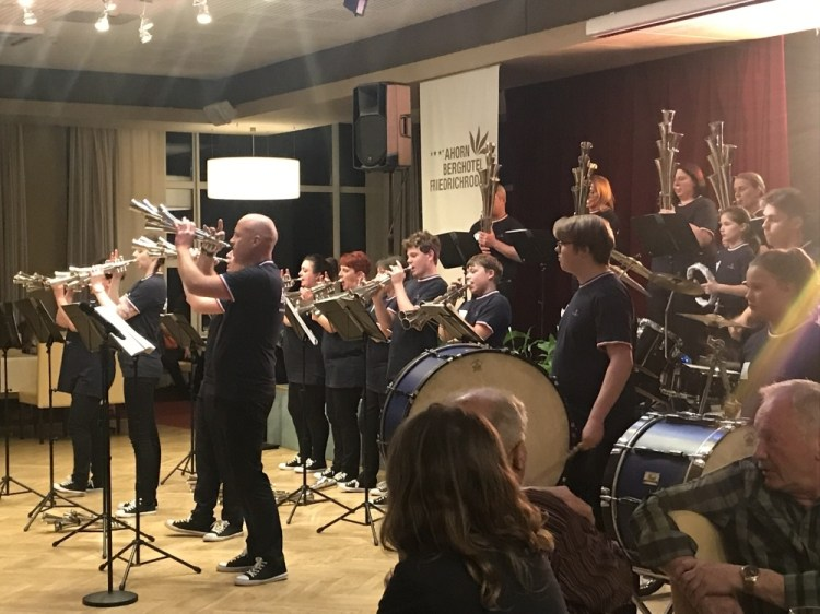 Tanzabend Berghotel 12.04.2019 12 - Tanzabend 12.04.2019