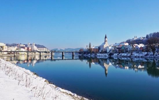 shutterstock 620557622 - Prosit Neujahr in Passau - Jahreswechsel auf der Donau