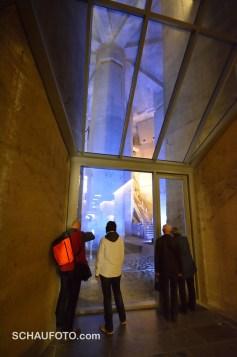 Neu für die Besucher erschlossen: Die riesigen Fundamente des Bauwerks.