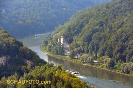 Vorbeifahrt am Klösterle / Donau