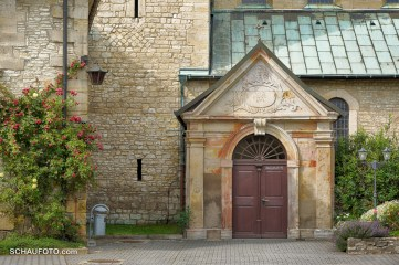 Eingang zur Klosterkirche.