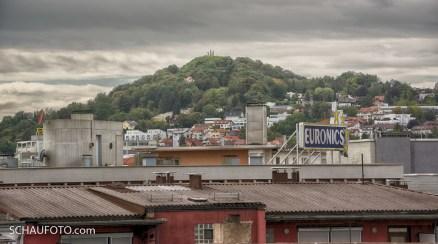 """Sicht vom """"Schlössle""""-Dach zum Monte Scherbelino. Da liegt das zerbombte Pforzheim."""
